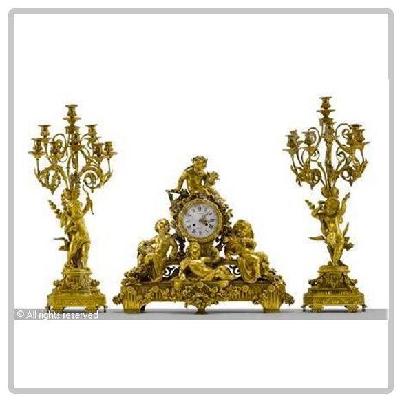 Importante-Garniture-de-cheminée-en-bronze-doré