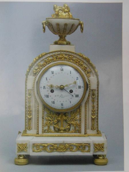 Pendule en marbre et bronze