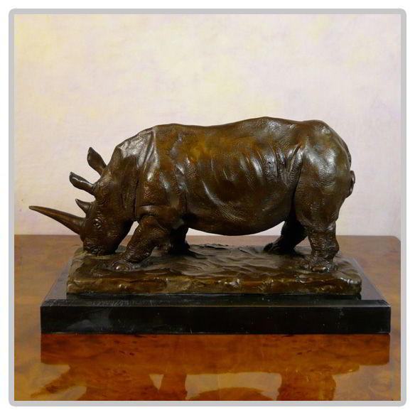 Sculpture Rhinocéros en bronze
